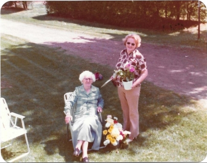 aunt-ellen-and-gram-alone-mothers-day